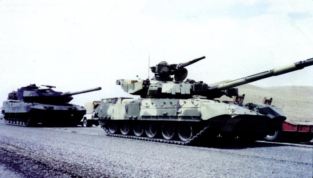 http://armor.kiev.ua/Tanks/Modern/T84/2/t84_22.jpg