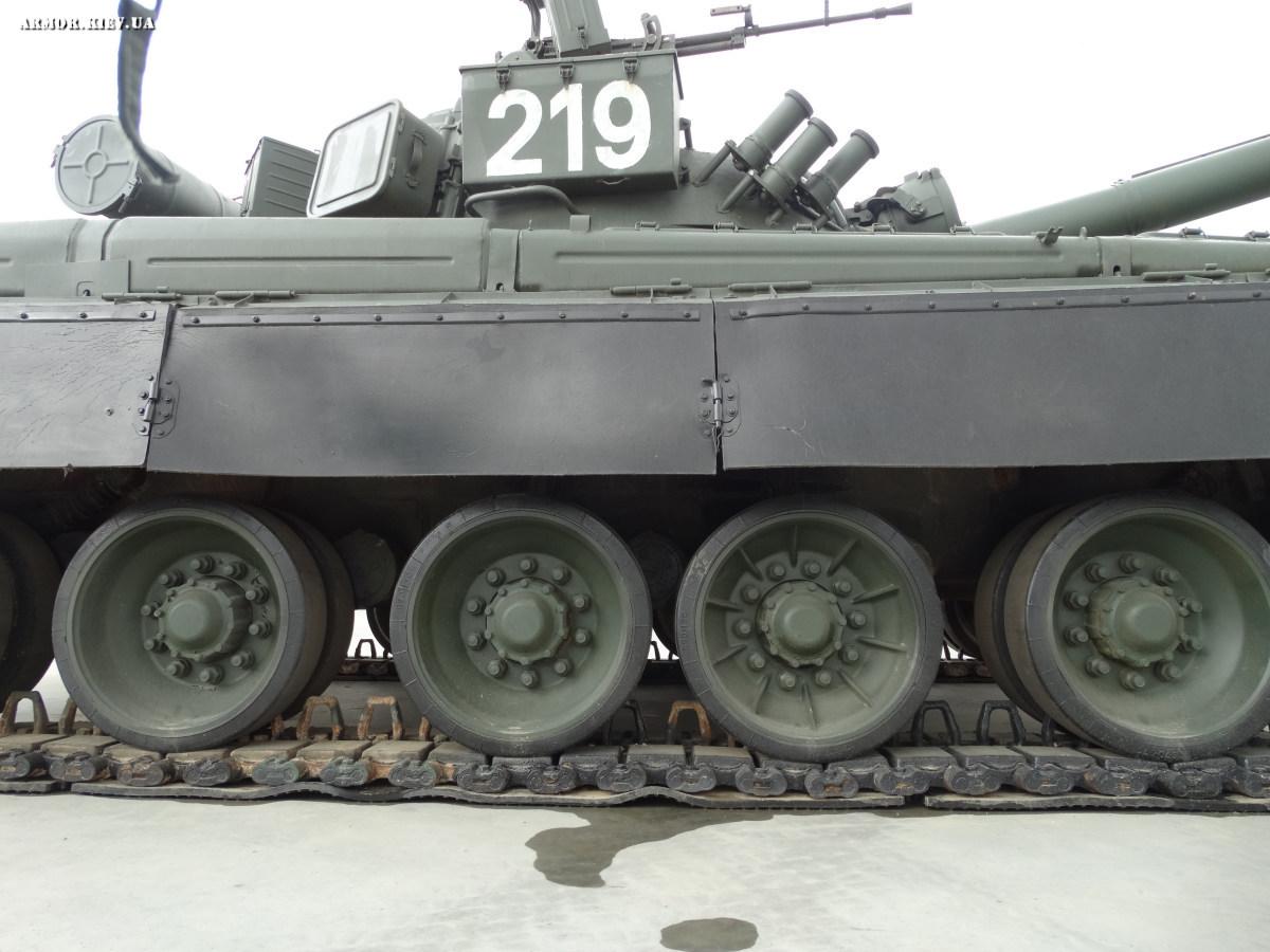 http://armor.kiev.ua/Tanks/Modern/patriot16/219/13.jpg