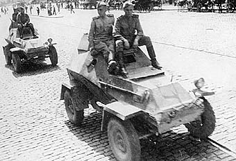 http://armor.kiev.ua/Tanks/WWII/BA64/BA64_17.jpg