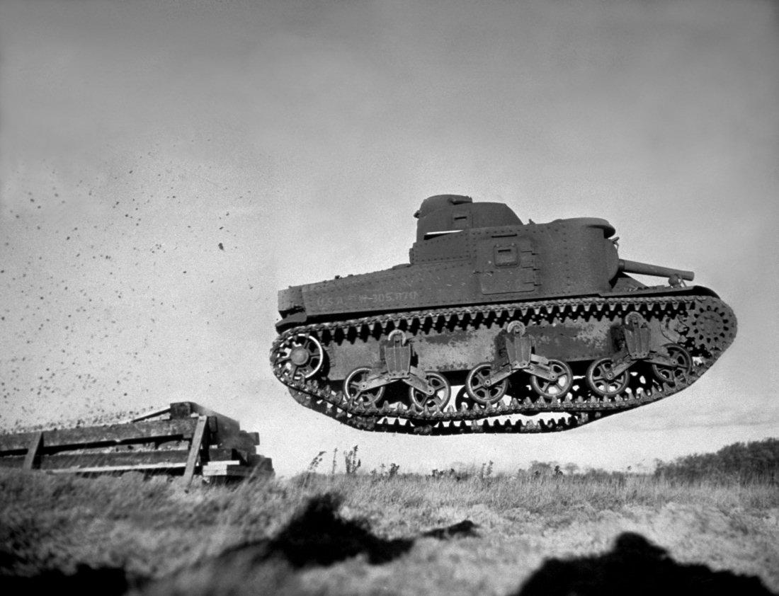 http://armor.kiev.ua/Tanks/WWII/Lee/M3_20.jpg