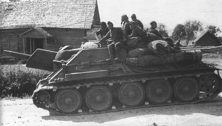 http://armor.kiev.ua/Tanks/WWII/SU122/su122_8.jpg
