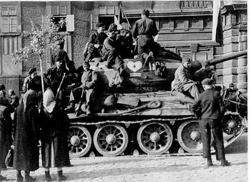 http://armor.kiev.ua/Tanks/WWII/T34/T34_3.jpg