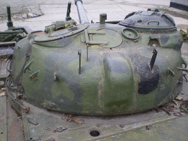 http://armor.kiev.ua/wiki/images/thumb/a/a3/T72_11.jpg/800px-T72_11.jpg